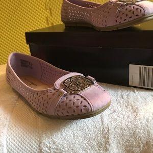 Sooo cute NWT purple shoes flats gorgeous